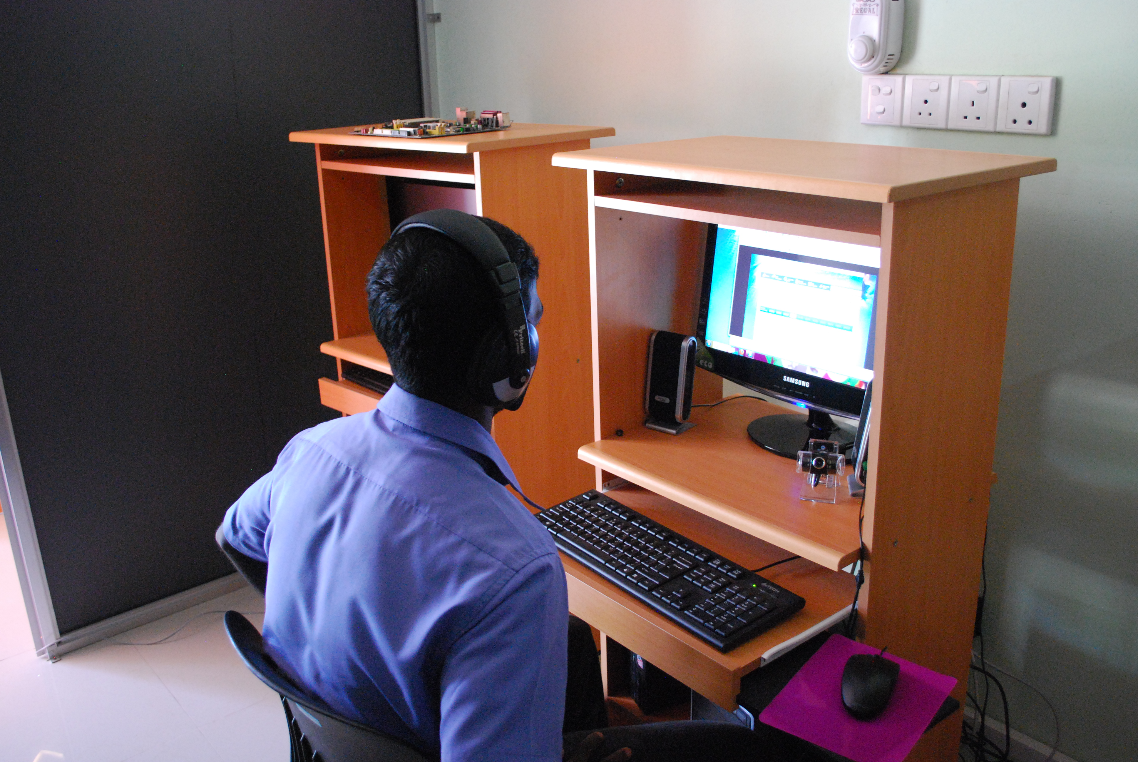 an introduction to the importance of computers in the classroom Photo courtesy of flickr: utbmobile the public education system no longer considers the integration of technology as a debatable issue in the classroom in fact, many schools have started to incorporate the technological use of computers and mobile devices in the classroom to further the academic.
